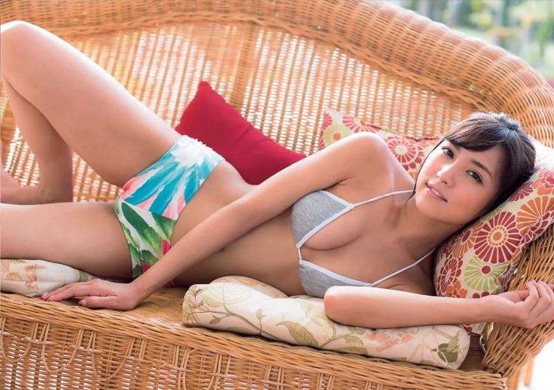 【石川恋グラビア画像】ファッションモデルとは思えない高露出写真を披露するセクシー美女 07