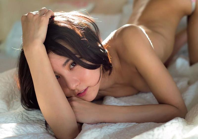 【石川恋グラビア画像】ファッションモデルとは思えない高露出写真を披露するセクシー美女 08