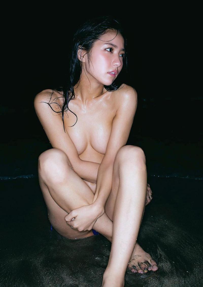 【石川恋グラビア画像】ファッションモデルとは思えない高露出写真を披露するセクシー美女 22
