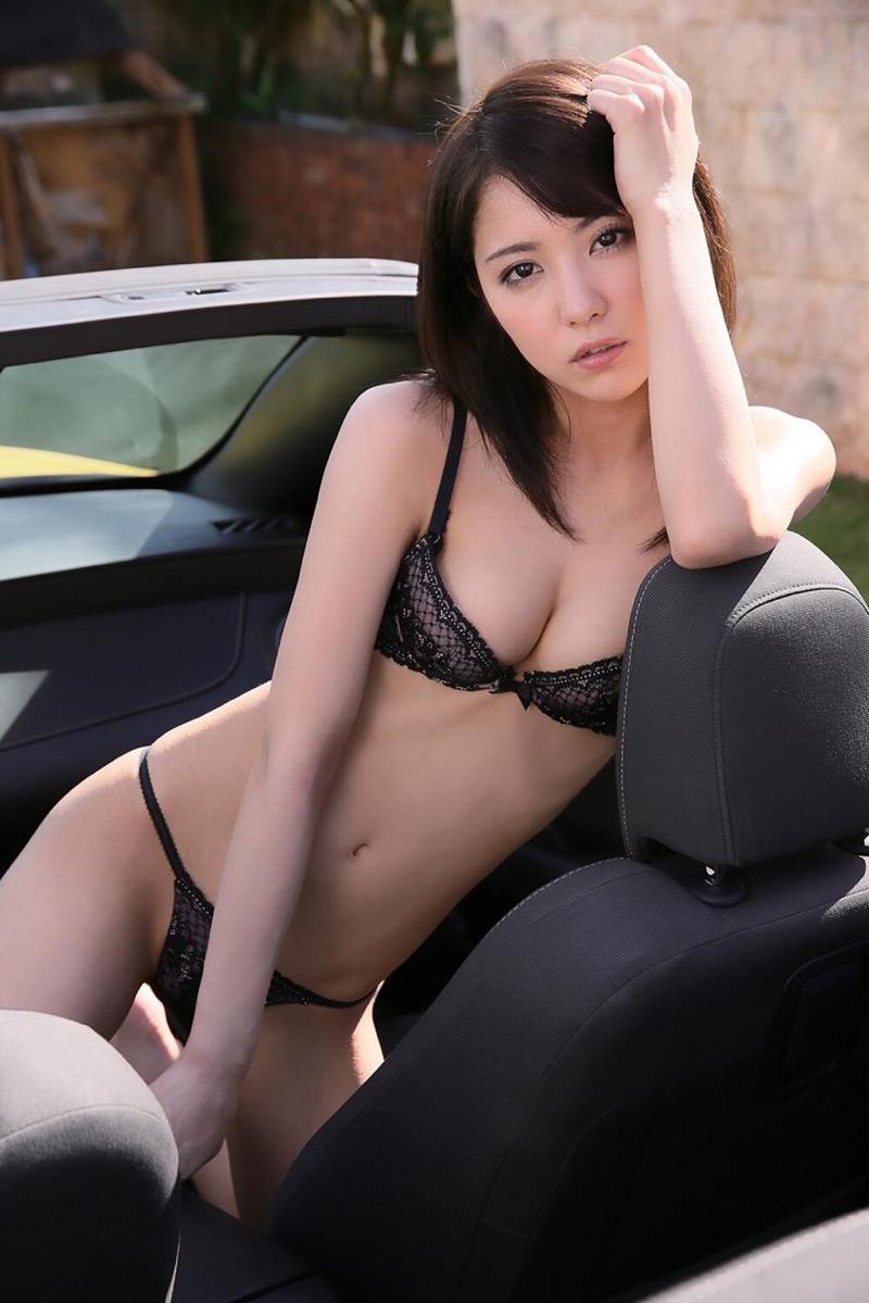 【石川恋グラビア画像】ファッションモデルとは思えない高露出写真を披露するセクシー美女 26