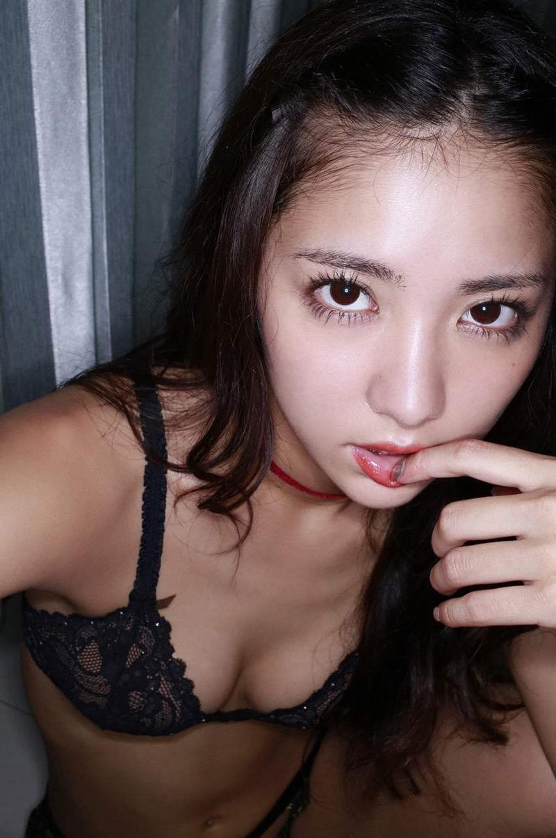 【石川恋グラビア画像】ファッションモデルとは思えない高露出写真を披露するセクシー美女 37
