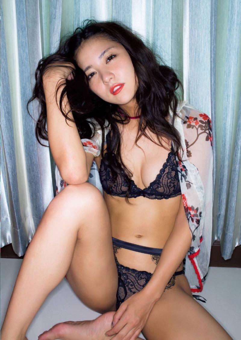 【石川恋グラビア画像】ファッションモデルとは思えない高露出写真を披露するセクシー美女 59