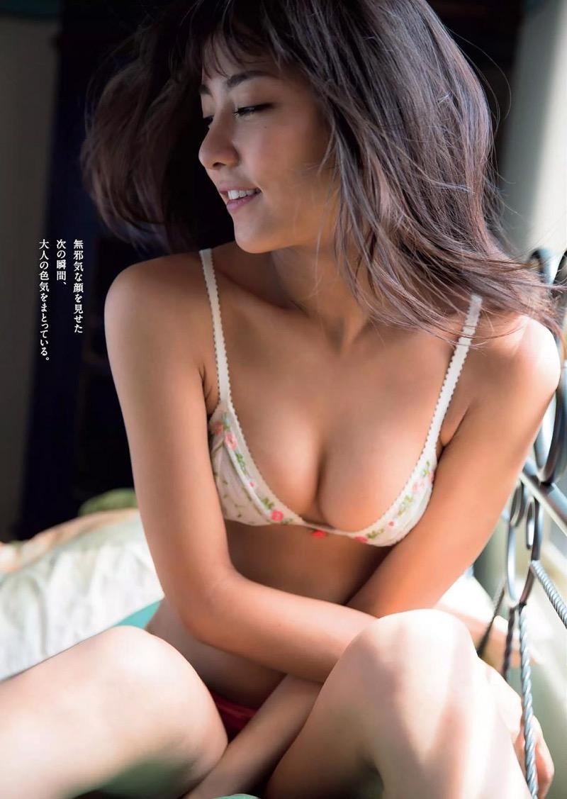 【石川恋グラビア画像】ファッションモデルとは思えない高露出写真を披露するセクシー美女 64