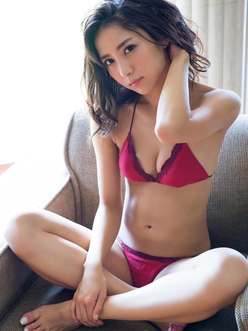 【石川恋グラビア画像】ファッションモデルとは思えない高露出写真を披露するセクシー美女 70