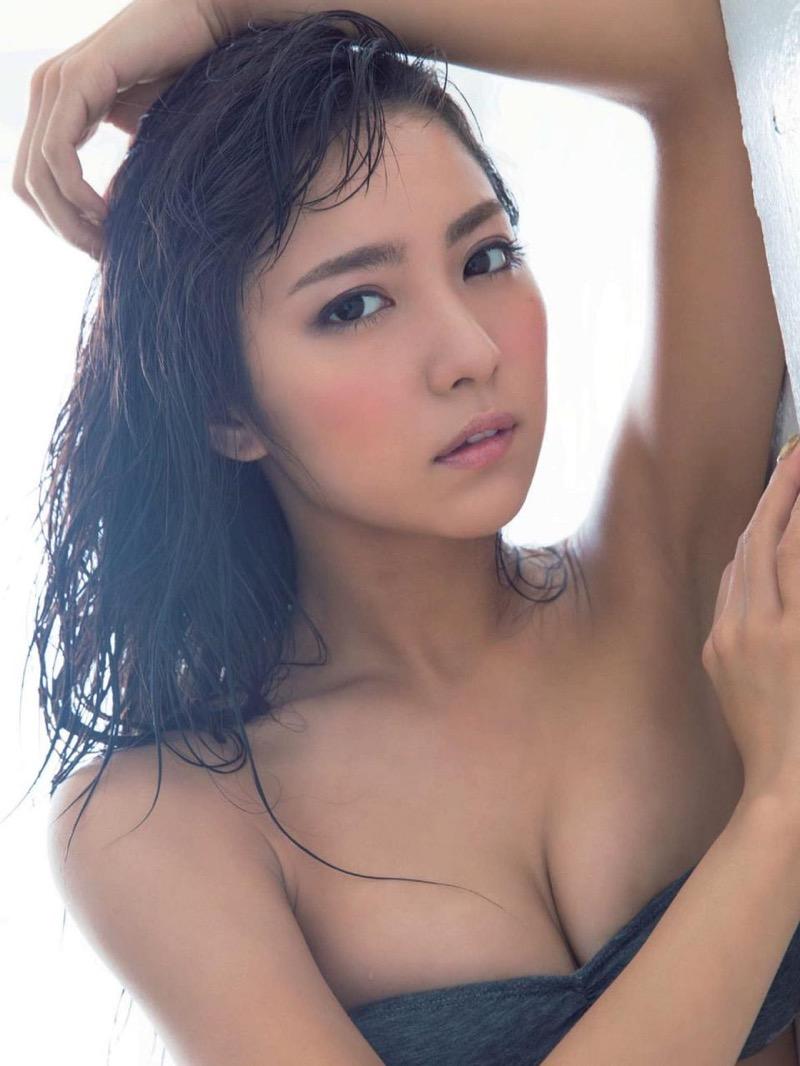 【石川恋グラビア画像】ファッションモデルとは思えない高露出写真を披露するセクシー美女 74