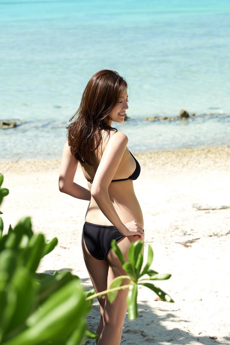 【伊東紗冶子グラビア画像】西川貴教との熱愛報道が原因で実家に連れ戻されたグラビアアイドル 19