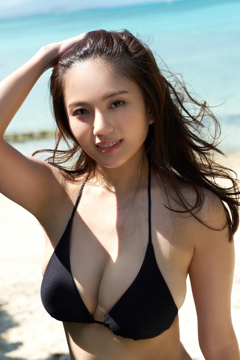 【伊東紗冶子グラビア画像】西川貴教との熱愛報道が原因で実家に連れ戻されたグラビアアイドル 20