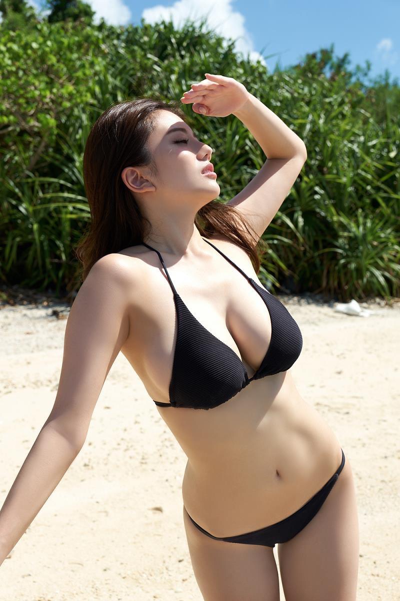 【伊東紗冶子グラビア画像】西川貴教との熱愛報道が原因で実家に連れ戻されたグラビアアイドル 21