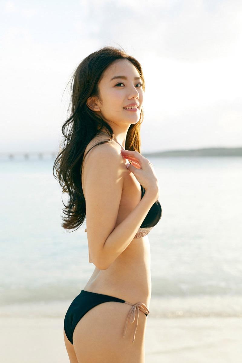 【伊東紗冶子グラビア画像】西川貴教との熱愛報道が原因で実家に連れ戻されたグラビアアイドル 44