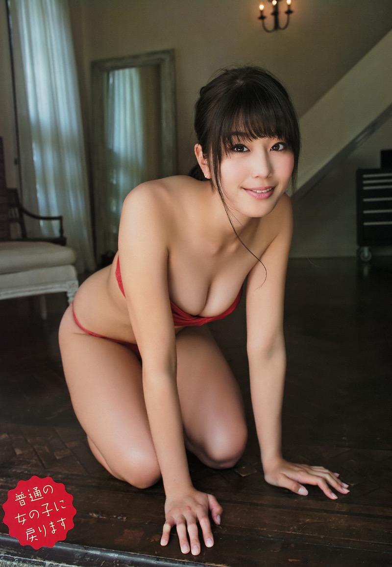 【稲村亜美グラビア画像】ビキニ姿でバットをフルスイングするスポーツ系グラビアアイドル 13