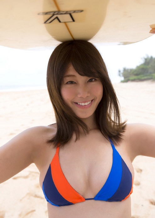 【稲村亜美グラビア画像】ビキニ姿でバットをフルスイングするスポーツ系グラビアアイドル 53