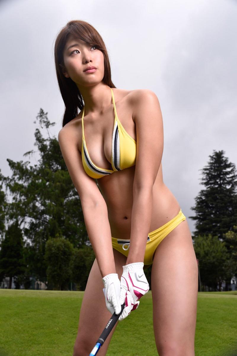 【稲村亜美グラビア画像】ビキニ姿でバットをフルスイングするスポーツ系グラビアアイドル 64