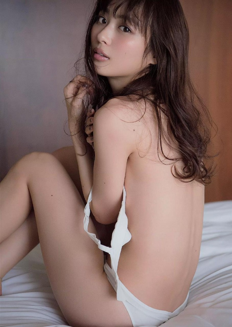 【内田理央グラビア画像】スレンダーボディに小ぶりなオッパイが可愛らしいグラビアアイドル 50