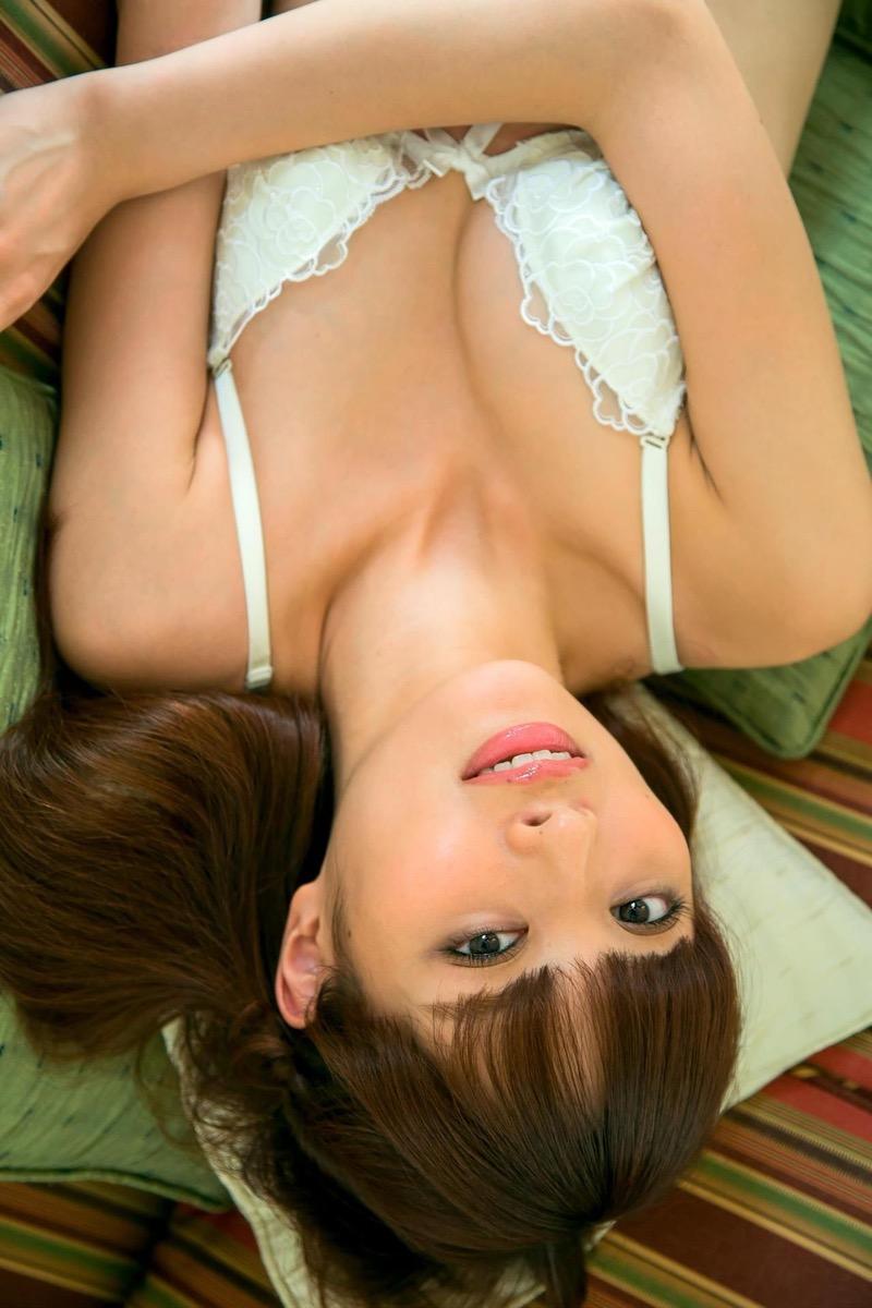 【内田理央グラビア画像】スレンダーボディに小ぶりなオッパイが可愛らしいグラビアアイドル 74