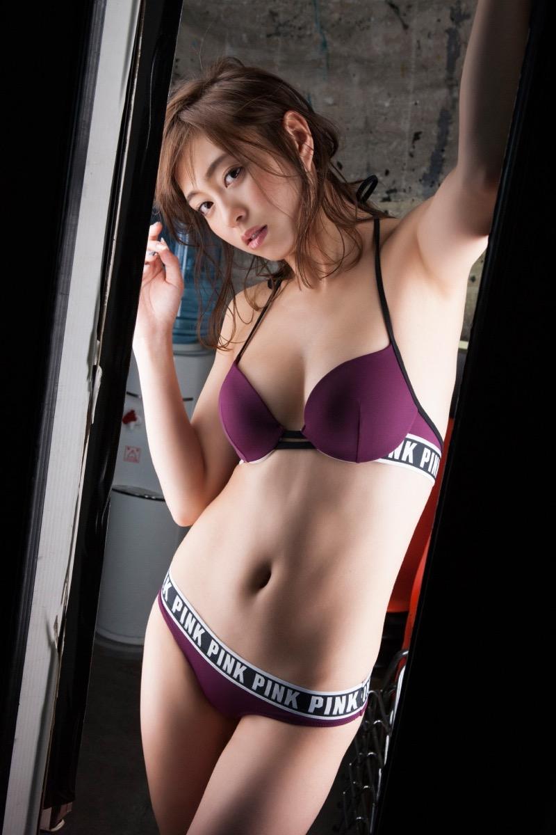 【大川藍グラビア画像】こんなに可愛くてエッチな身体の元アイドルが引退なんて勿体無いですねぇ 22