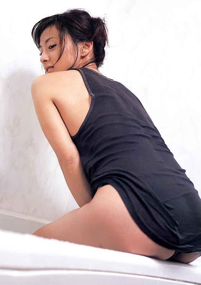 【遠野舞子グラビア画像】90年代に活躍したアイドル歌手が熟女グラドルとして復活するってマジ!? 10