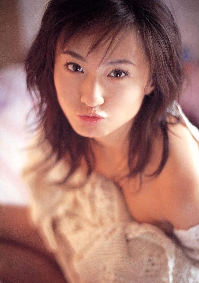 【遠野舞子グラビア画像】90年代に活躍したアイドル歌手が熟女グラドルとして復活するってマジ!? 33
