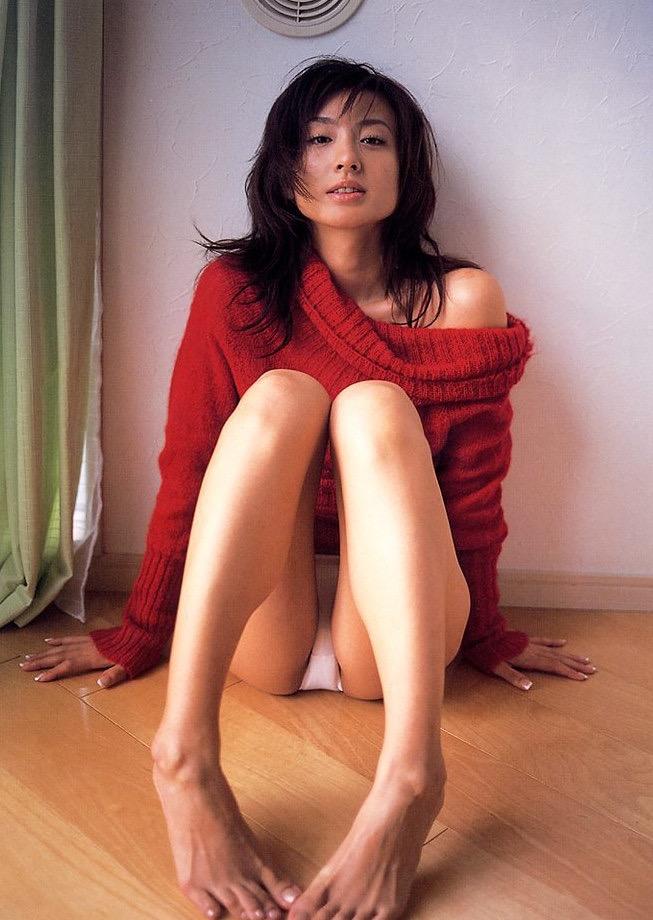 【遠野舞子グラビア画像】90年代に活躍したアイドル歌手が熟女グラドルとして復活するってマジ!? 42