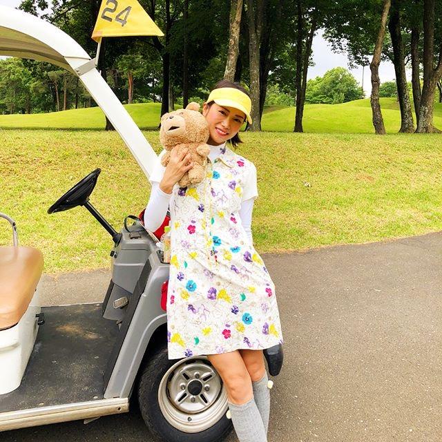 【白石あさえエロ画像】Gカップ巨乳を揺らしてゴルフしてそうなお姉さんと一緒にラウンドしたい! 19