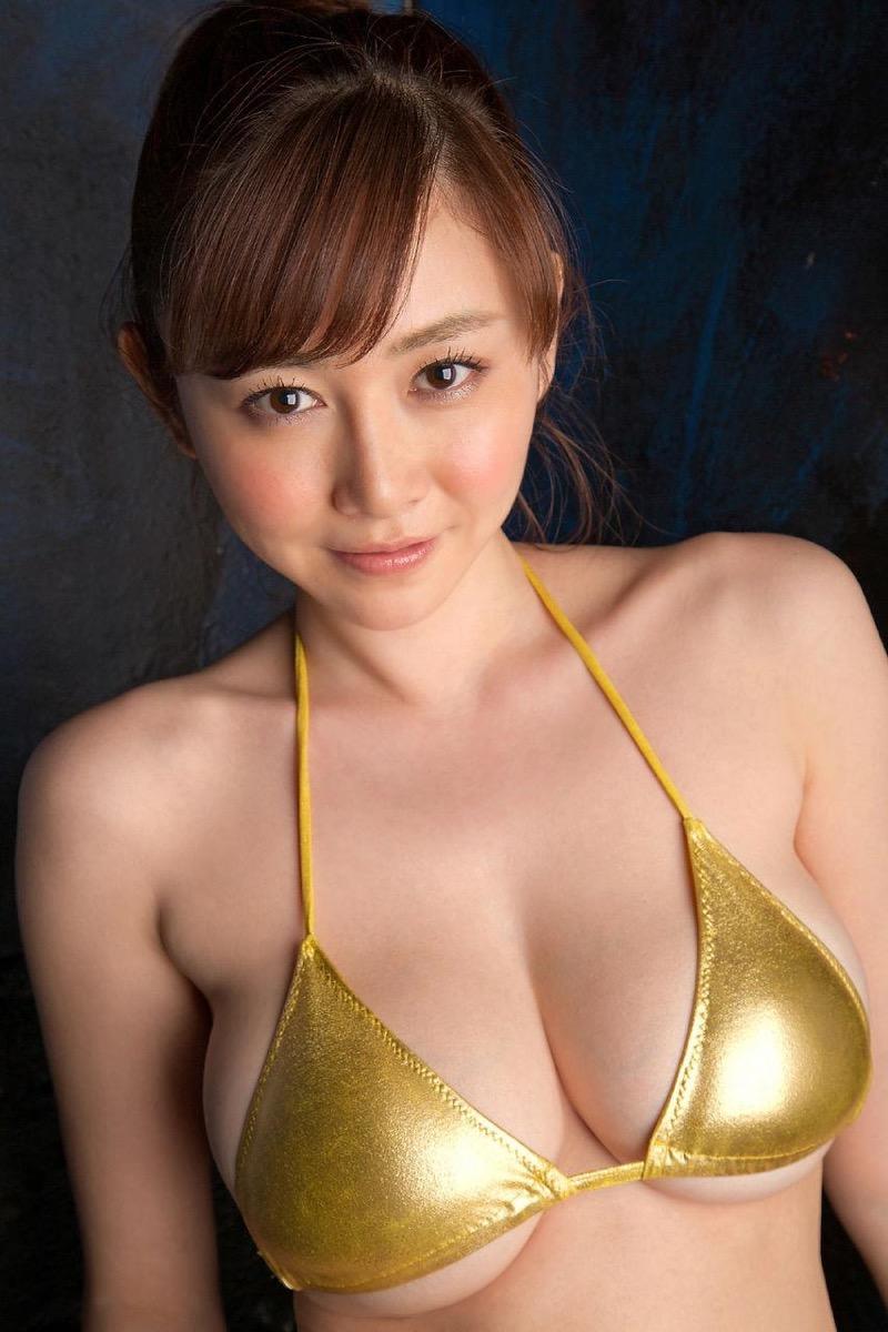 【杉原杏璃グラビア画像】美熟女グラドルが気になる部分の改善にこんにゃくを使っているとかw 45