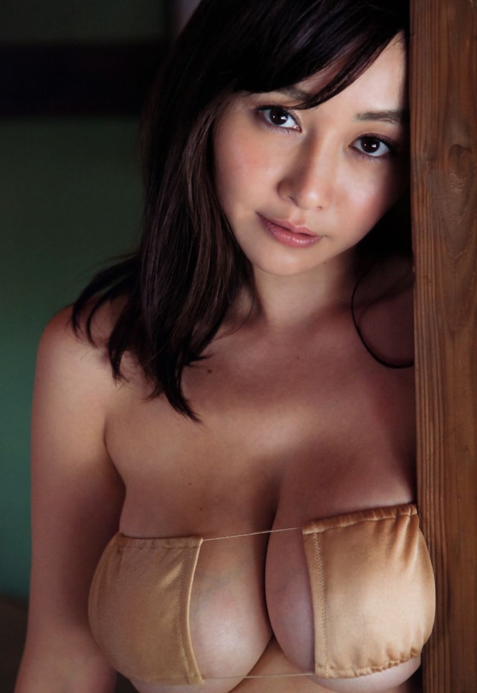 【杉原杏璃グラビア画像】美熟女グラドルが気になる部分の改善にこんにゃくを使っているとかw 52