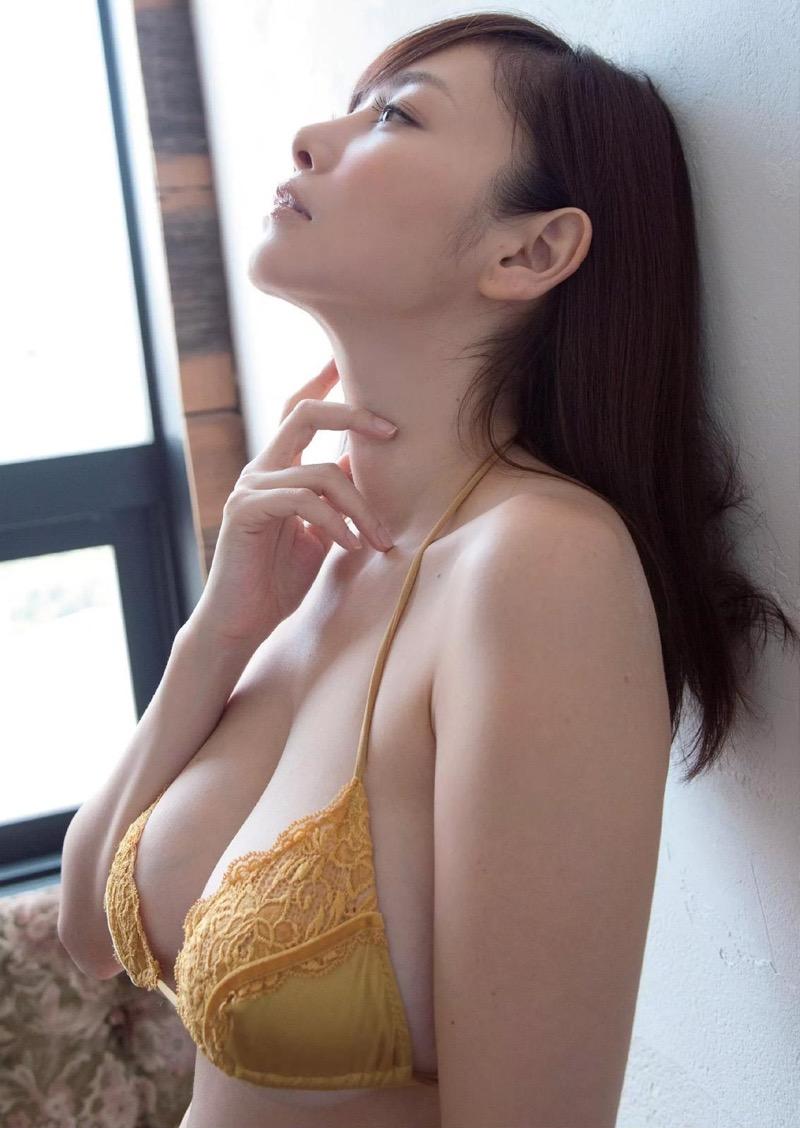 【杉原杏璃グラビア画像】美熟女グラドルが気になる部分の改善にこんにゃくを使っているとかw 67