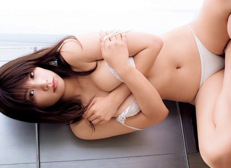 【久松郁実グラビア画像】ファッションモデルしてるだけじゃ勿体無い激エロFカップ巨乳美女!