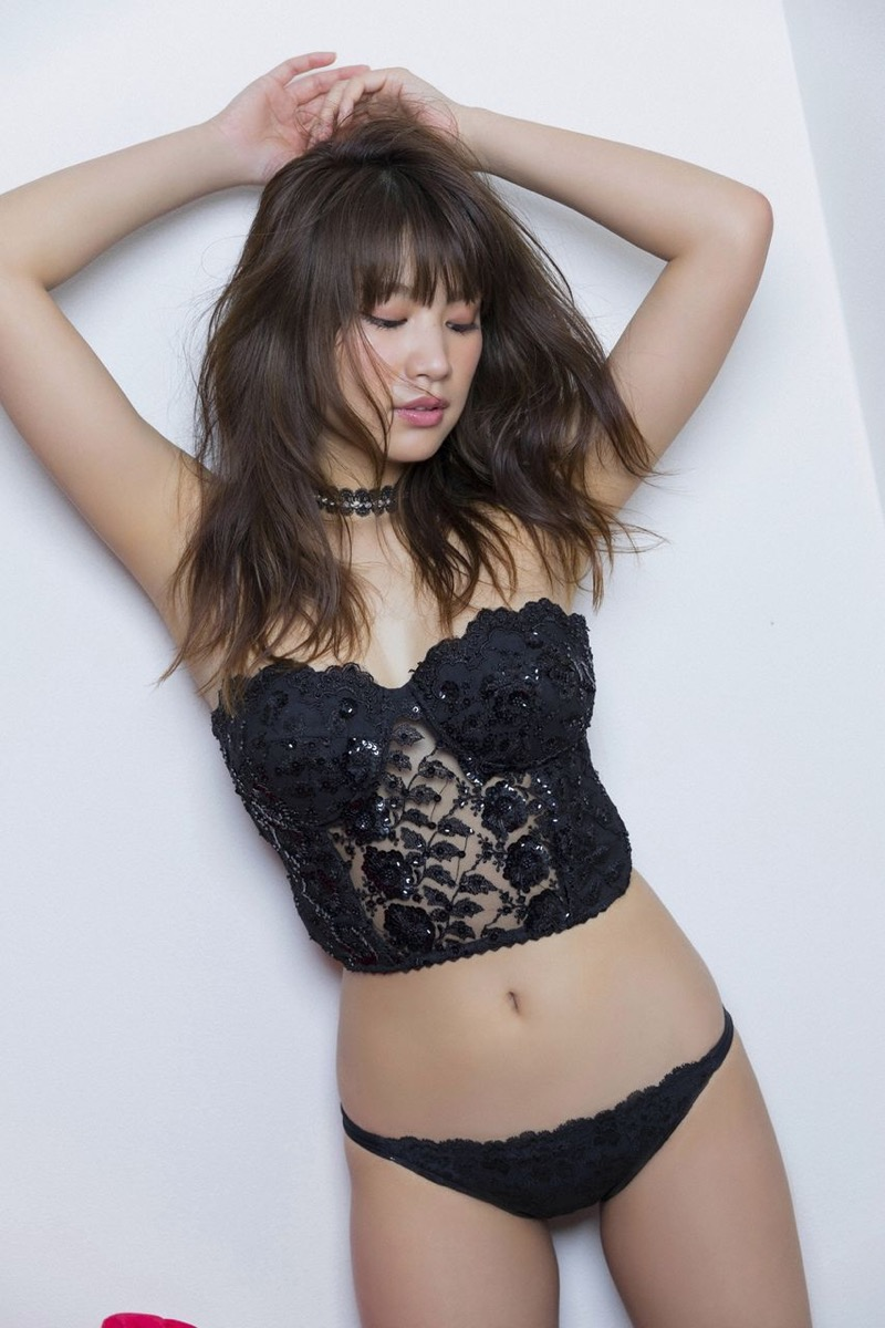 【久松郁実グラビア画像】ファッションモデルしてるだけじゃ勿体無い激エロFカップ巨乳美女! 22