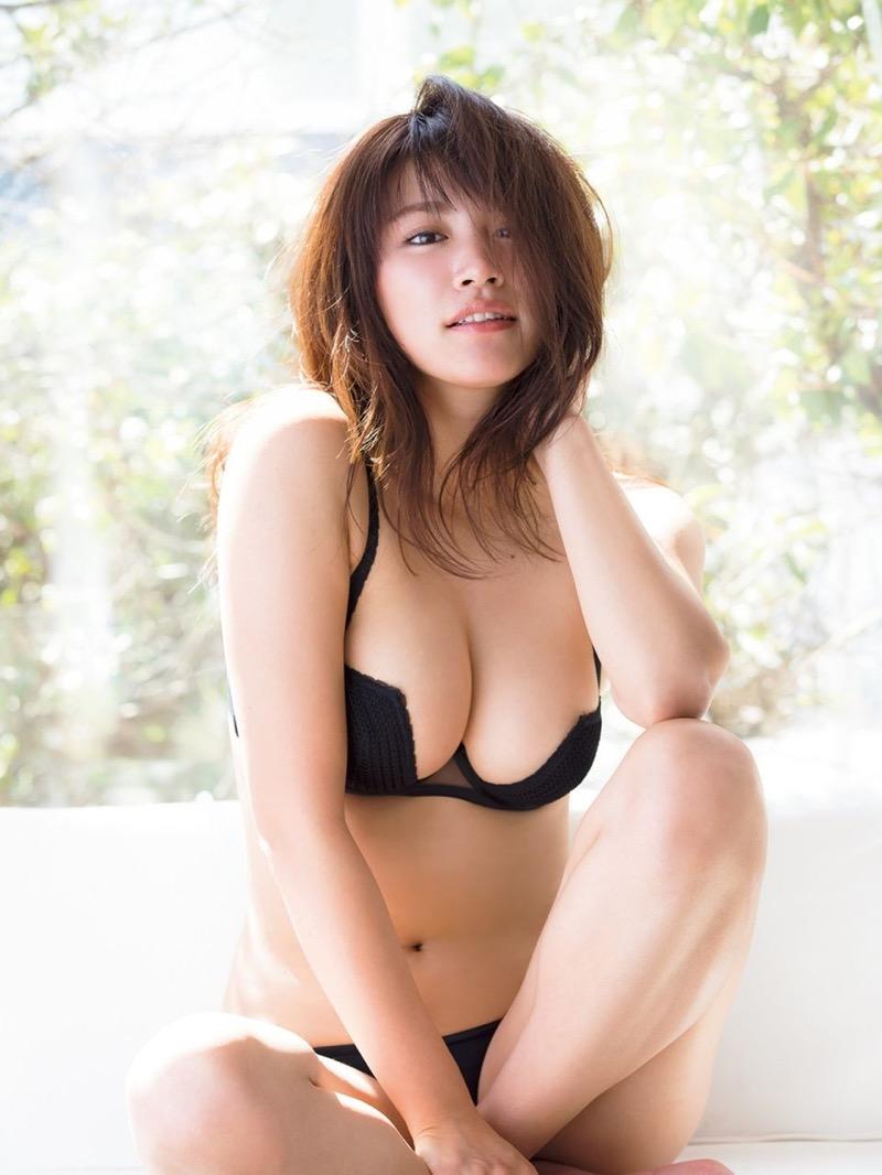 【久松郁実グラビア画像】ファッションモデルしてるだけじゃ勿体無い激エロFカップ巨乳美女! 38