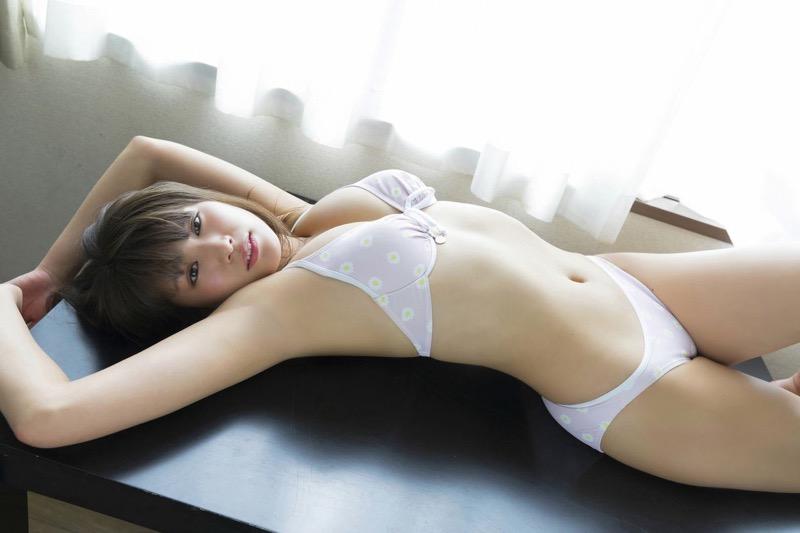 【久松郁実グラビア画像】ファッションモデルしてるだけじゃ勿体無い激エロFカップ巨乳美女! 75