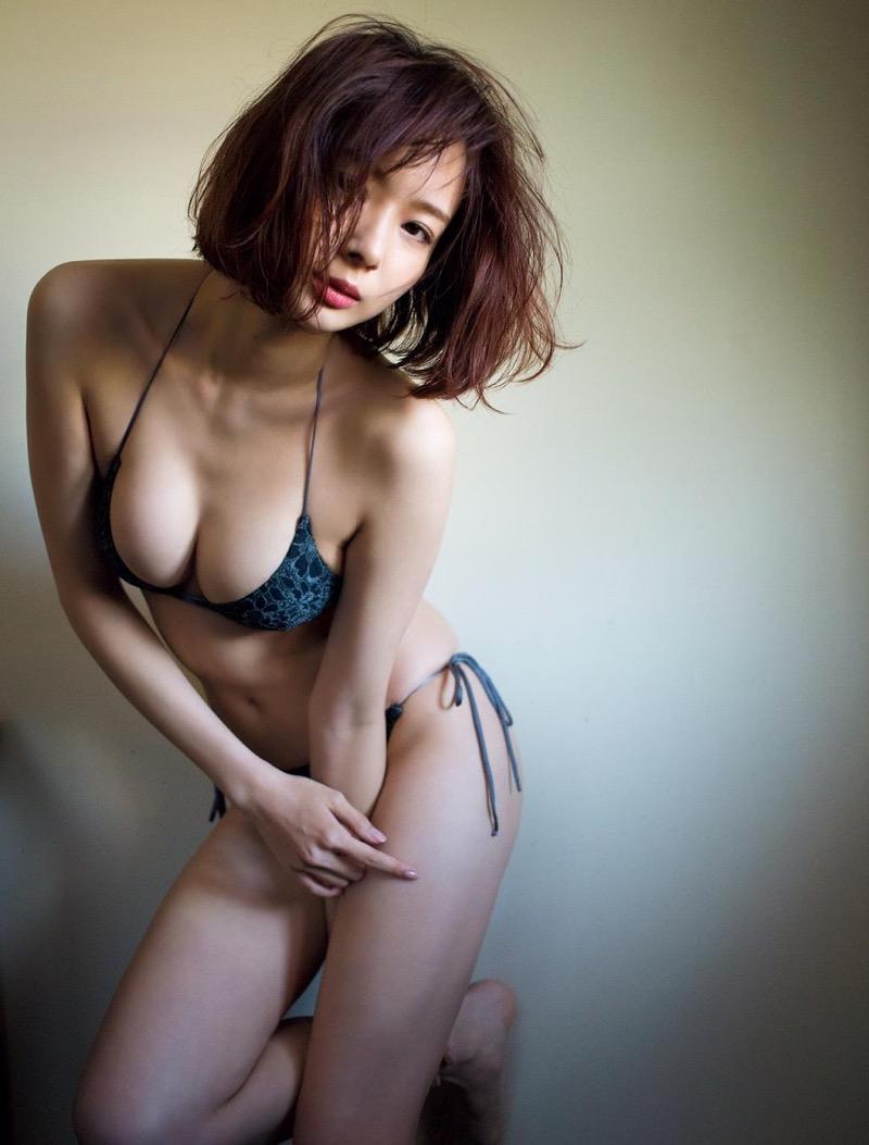 【岡田紗佳グラビア画像】日中ハーフで女流プロ雀士グラドルが役満ボディって呼ばれるとかwww 68