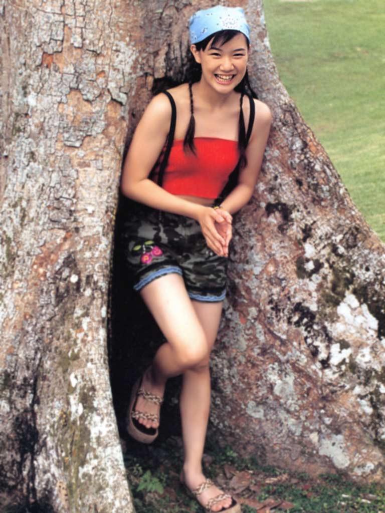 【蒼井優エロ画像】南海キャンディーズの山ちゃんと交際期間わずか2ヶ月で結婚したとかwwww 25