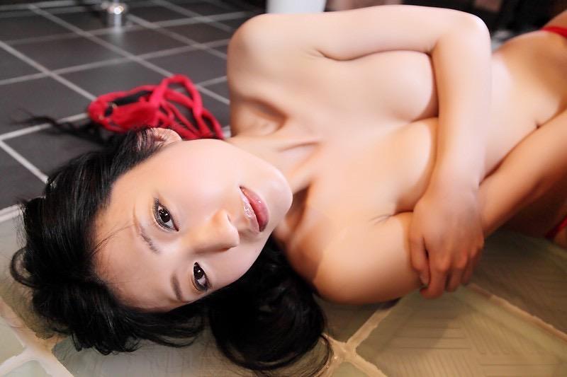 【壇蜜エロ画像】変わった芸名とセクシーな脱ぎっぷりで印象に残ってしまう美熟女タレント