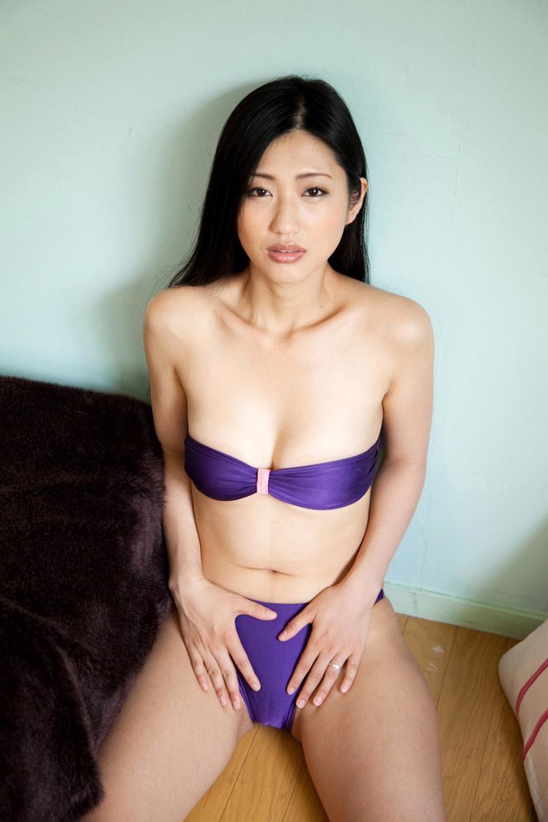 【壇蜜エロ画像】変わった芸名とセクシーな脱ぎっぷりで印象に残ってしまう美熟女タレント 21