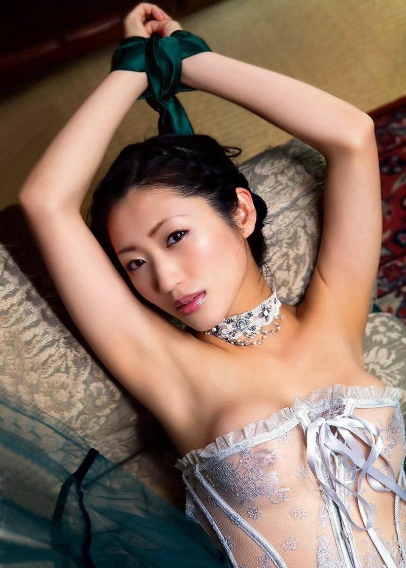 【壇蜜エロ画像】変わった芸名とセクシーな脱ぎっぷりで印象に残ってしまう美熟女タレント 37