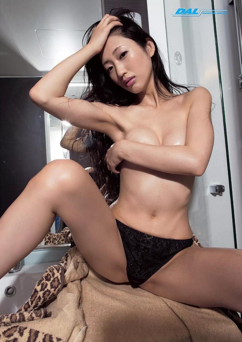 【壇蜜エロ画像】変わった芸名とセクシーな脱ぎっぷりで印象に残ってしまう美熟女タレント 66