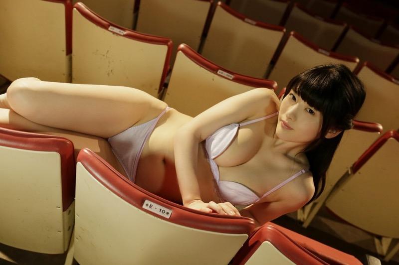 【上矢えり奈エロ画像】露出した姿を見られて撮って欲しいエッチなグラビアアイドルが活動再開! 74