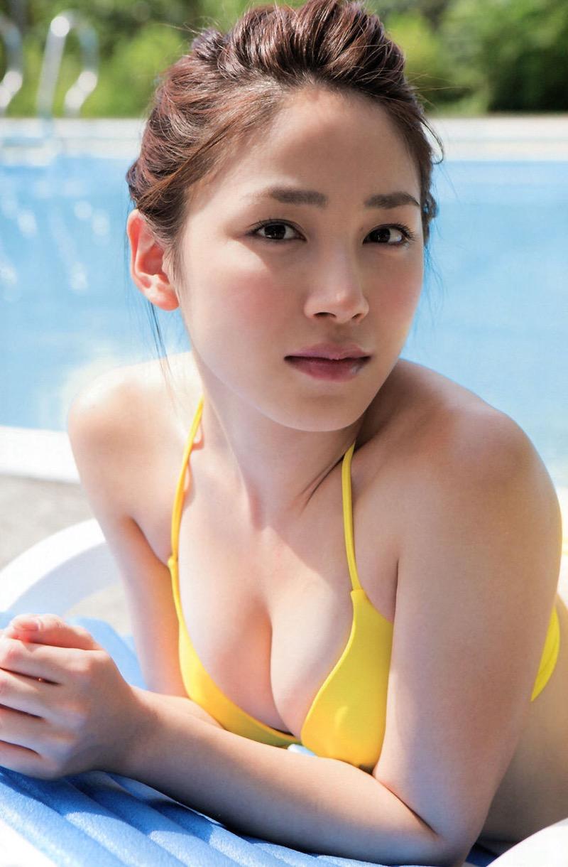 【吉川友グラビア画像】綺麗なお姉さんのエッチな谷間に埋まりたくなるグラビア水着画像 51