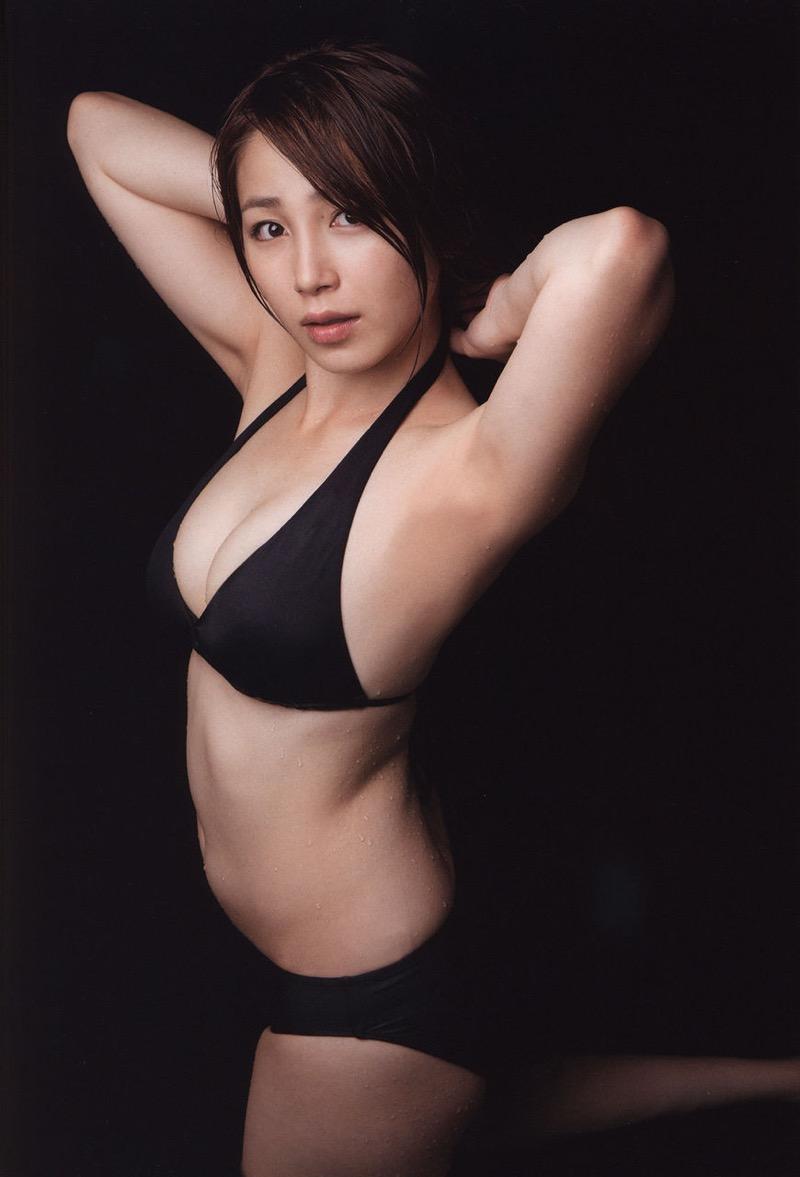 【吉川友グラビア画像】綺麗なお姉さんのエッチな谷間に埋まりたくなるグラビア水着画像 56