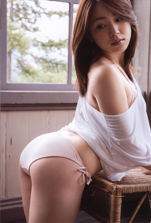 【吉川友グラビア画像】綺麗なお姉さんのエッチな谷間に埋まりたくなるグラビア水着画像 69