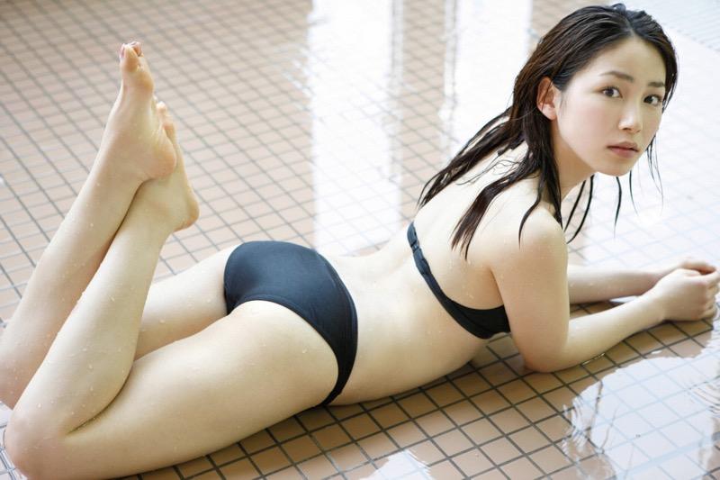 【吉川友グラビア画像】綺麗なお姉さんのエッチな谷間に埋まりたくなるグラビア水着画像 74