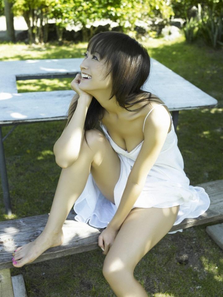 【小松彩夏グラビア画像】実写版美少女戦士セーラーヴィーナス役でデビューしたグラビアアイドル 03