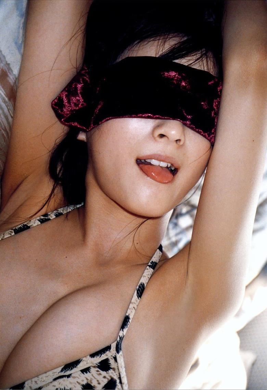 【小松彩夏グラビア画像】実写版美少女戦士セーラーヴィーナス役でデビューしたグラビアアイドル 12