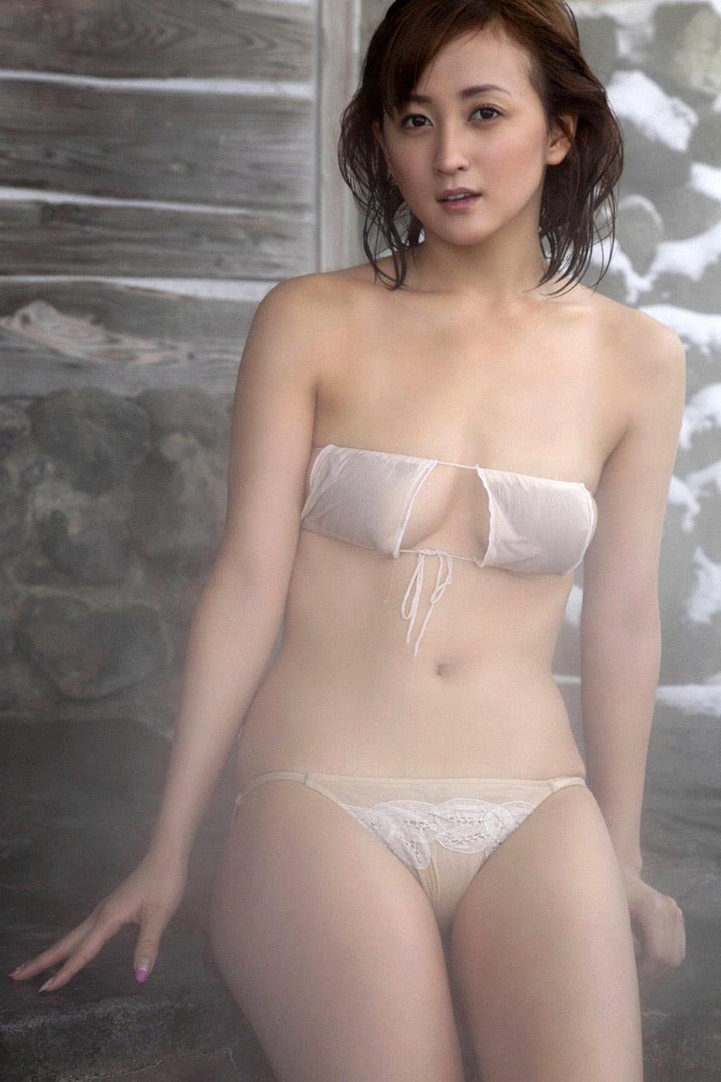 【小松彩夏グラビア画像】実写版美少女戦士セーラーヴィーナス役でデビューしたグラビアアイドル 37