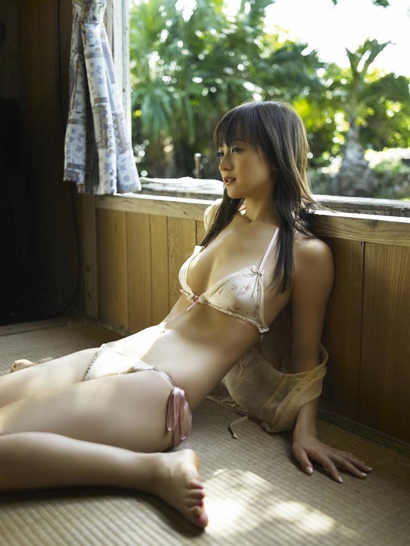 【小松彩夏グラビア画像】実写版美少女戦士セーラーヴィーナス役でデビューしたグラビアアイドル 63