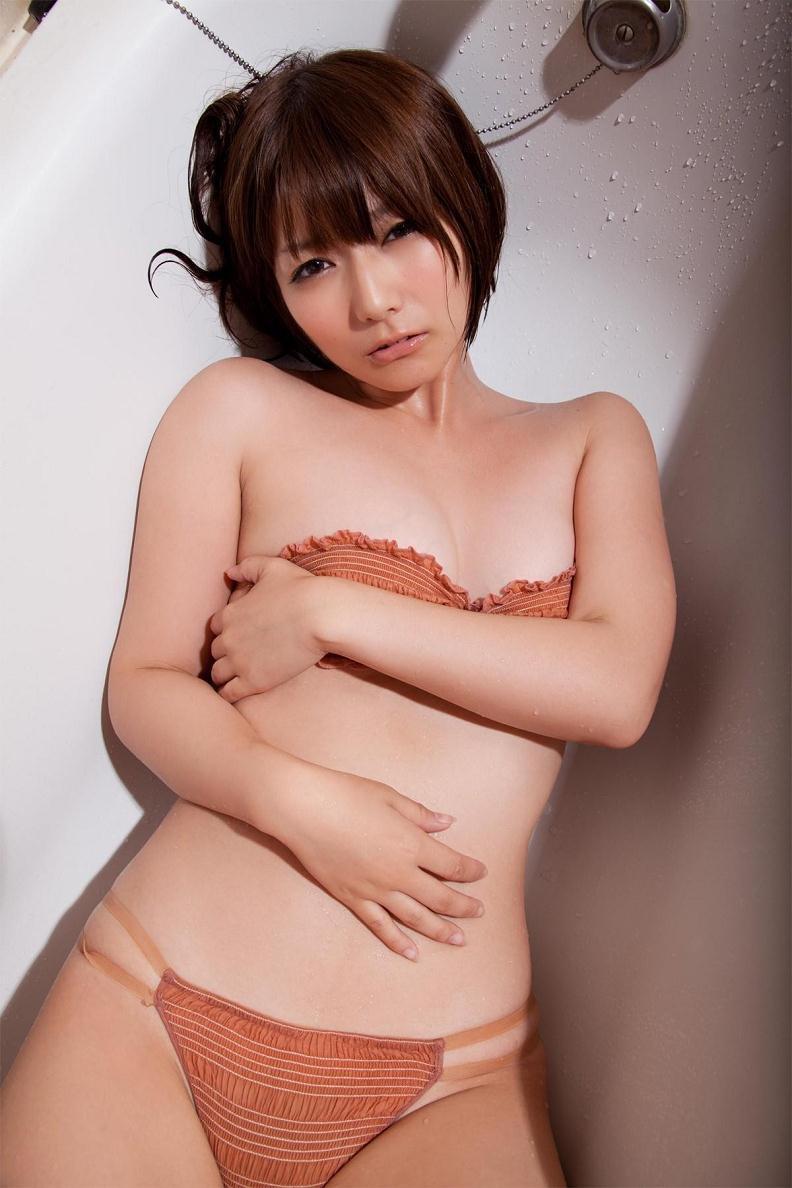 【京本有加グラビア画像】切れ長の目線がセクシーなグラビアアイドルがイケメン過ぎたwwww 47