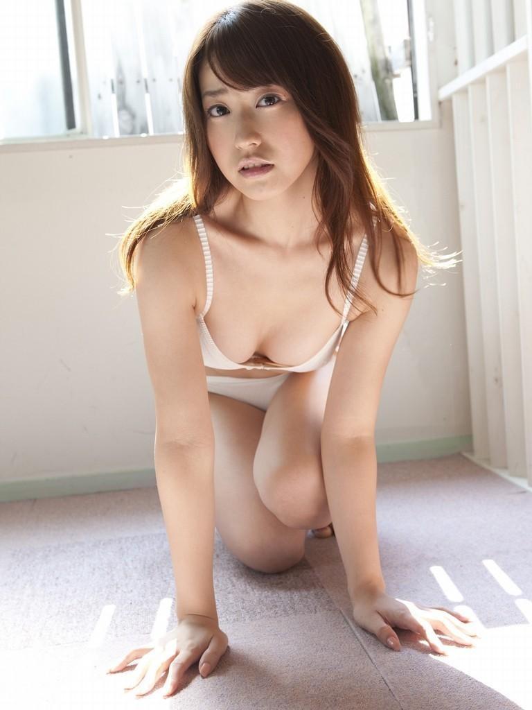 【黒田有彩グラビア画像】リケジョで売り込む必要がないくらいエロいFカップ巨乳タレント 20