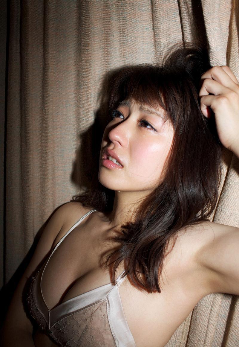 【黒田有彩グラビア画像】リケジョで売り込む必要がないくらいエロいFカップ巨乳タレント 37