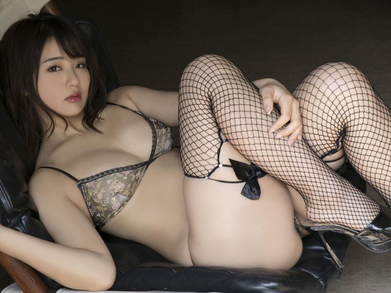 【平嶋夏海エロ画像】Fカップ巨乳のめちゃシコボディでAKB卒業後も人気を誇るグラビアアイドル