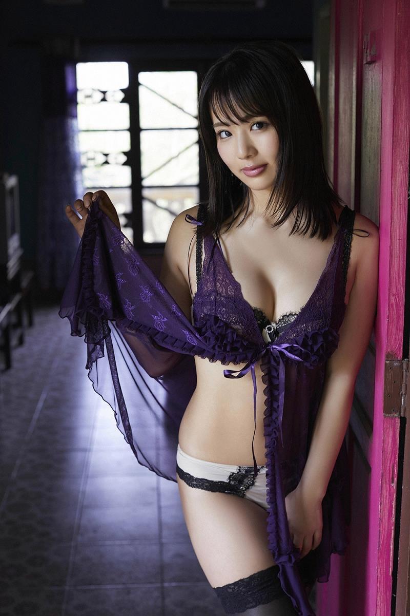 【平嶋夏海エロ画像】Fカップ巨乳のめちゃシコボディでAKB卒業後も人気を誇るグラビアアイドル 09